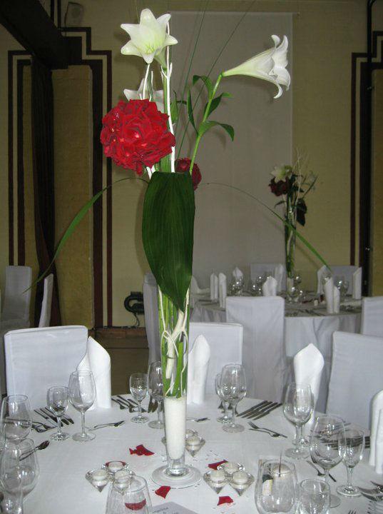 Beispiel: Tischdekoration, Foto: Blumen Kuhn Floraldesign.