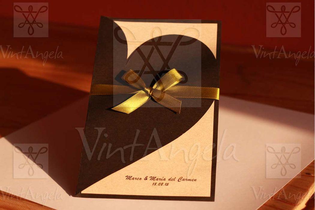 Vintangela: Invitaciones de bodas te presenta este modelo de corazon doblado, ubicados en Cuernavaca pero envian a todo el país.