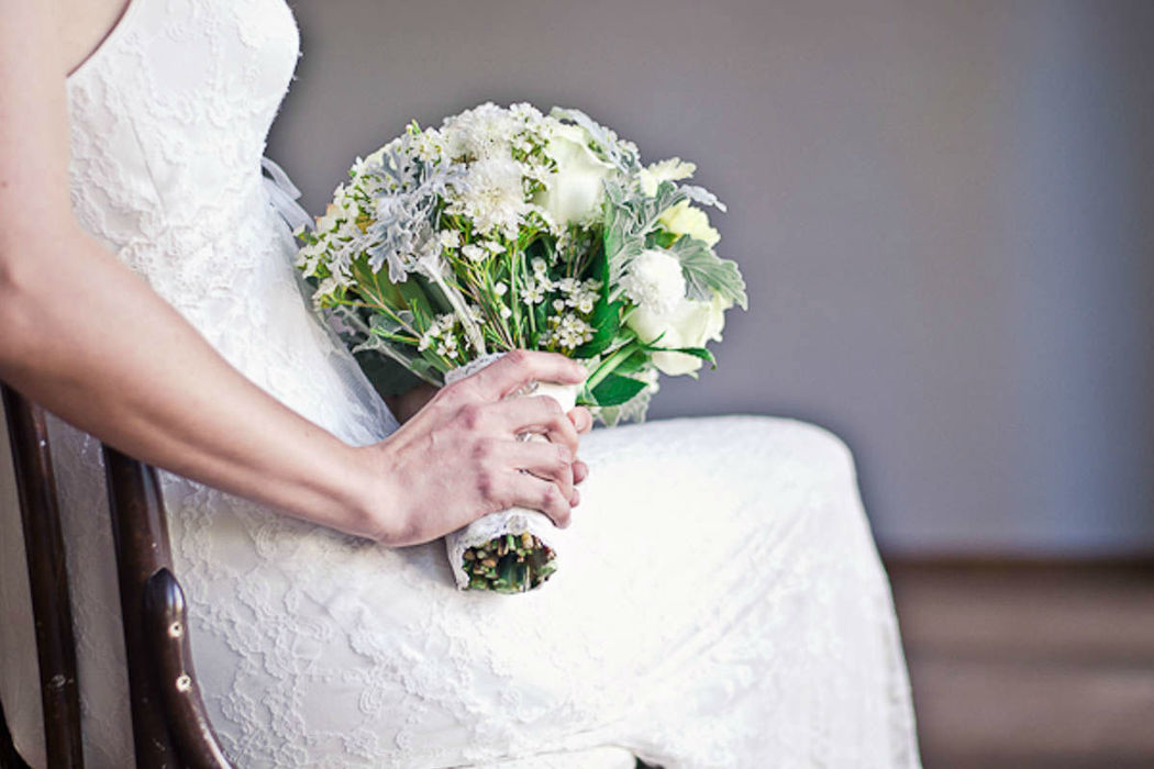 Beispiel: Brautmode, Foto: Lindegger-Küss die Braut.