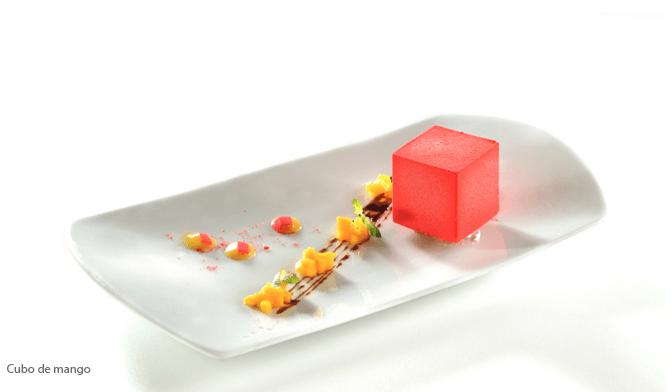 Cubo de mango, parte del menú de postres selectos - Foto Banquetes Ambrosía