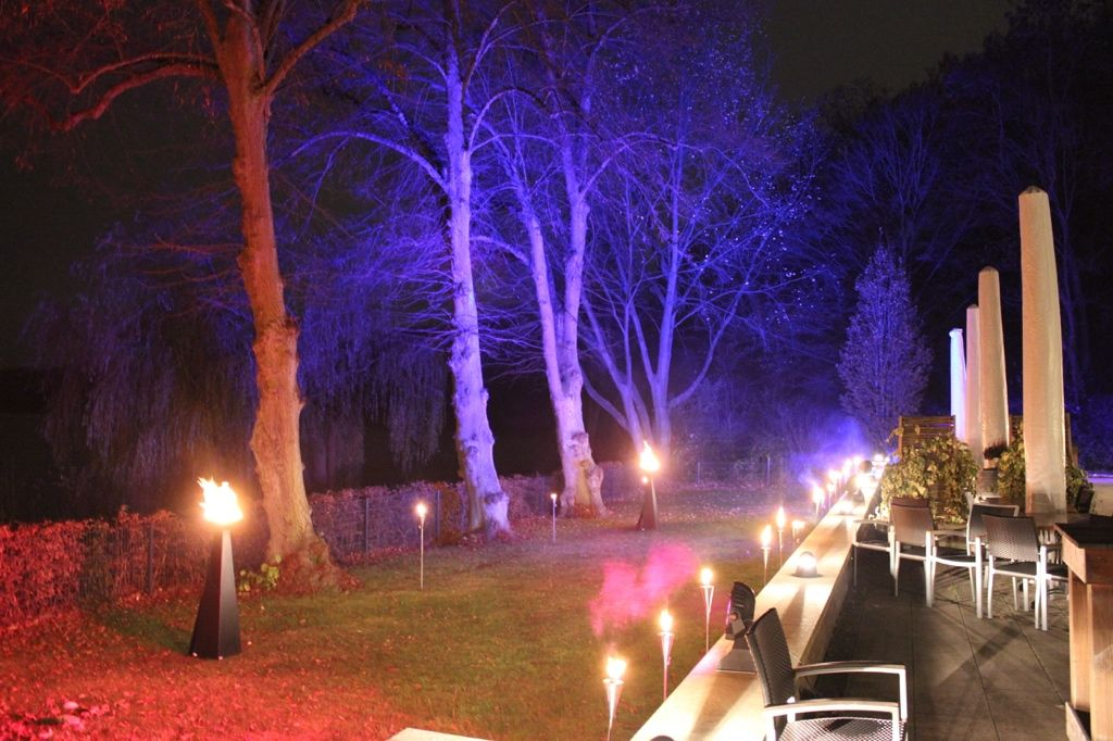 Beispiel: Außenansicht - Inszenierung der Seeterrasse, Foto: Restaurant Leuchtturm.