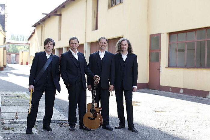Beispiel: Bandmitglieder, Foto: Acoustic Fun Orchestra.