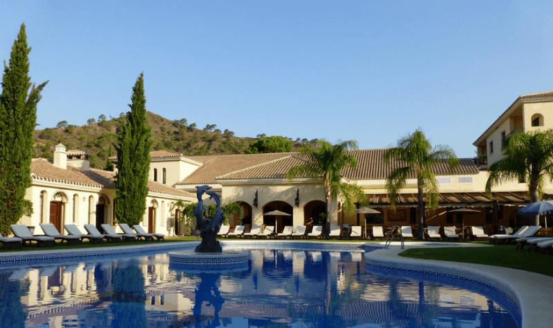 Una de las piscinas-Gran Hotel Benahavis