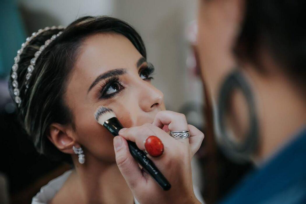 Ju Meneghetti Makeup