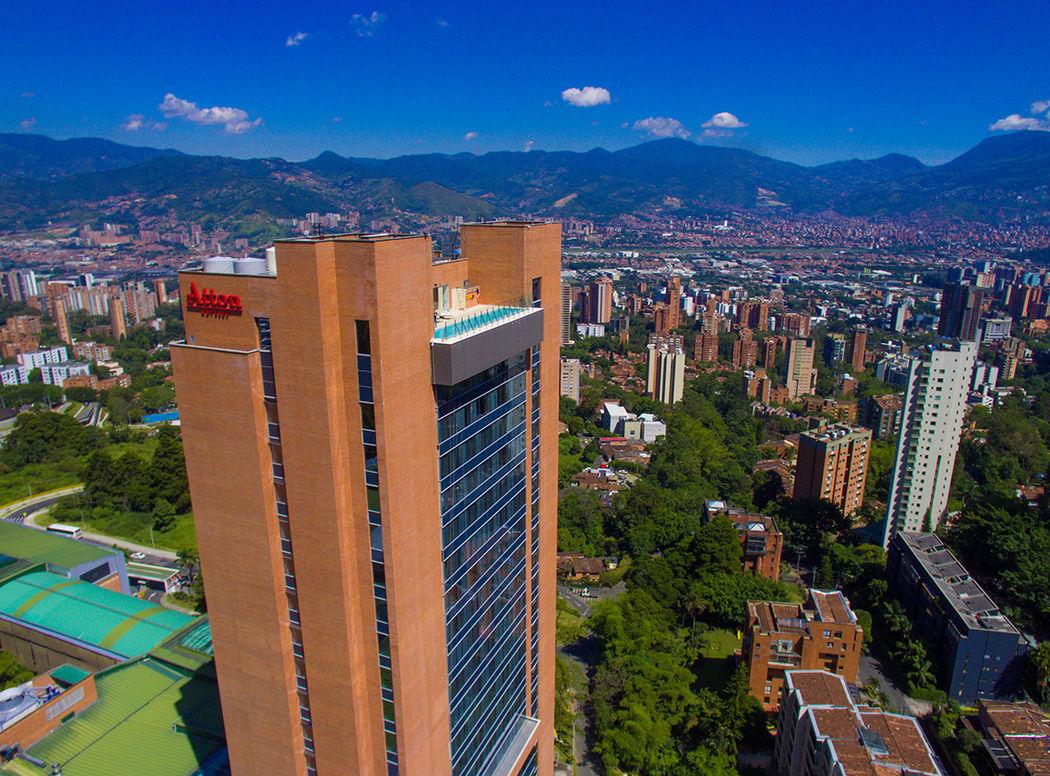 Atton El Tesoro Medellín