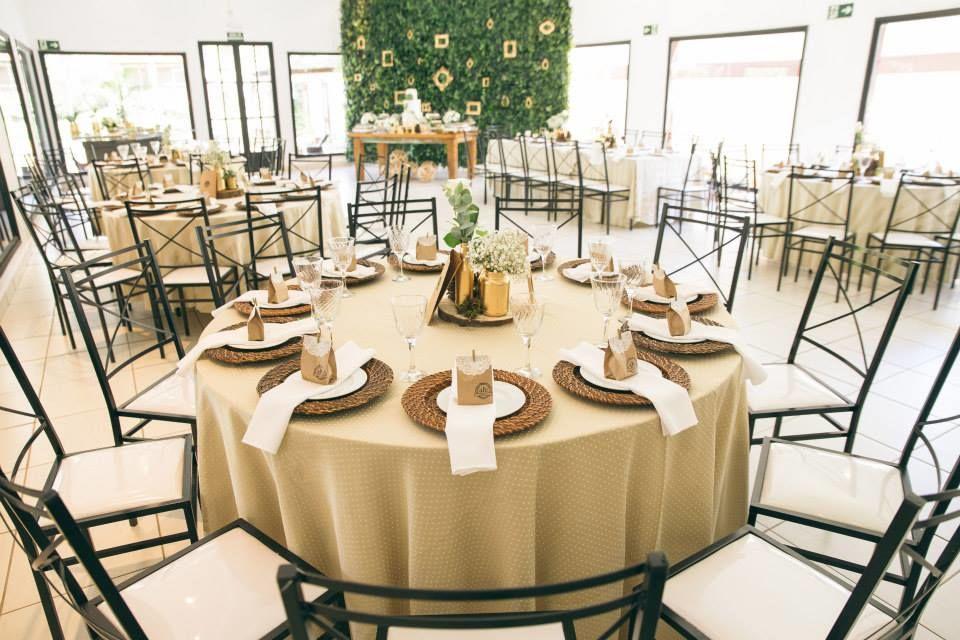 Mesa dos Convidados - Decoração em tons terra