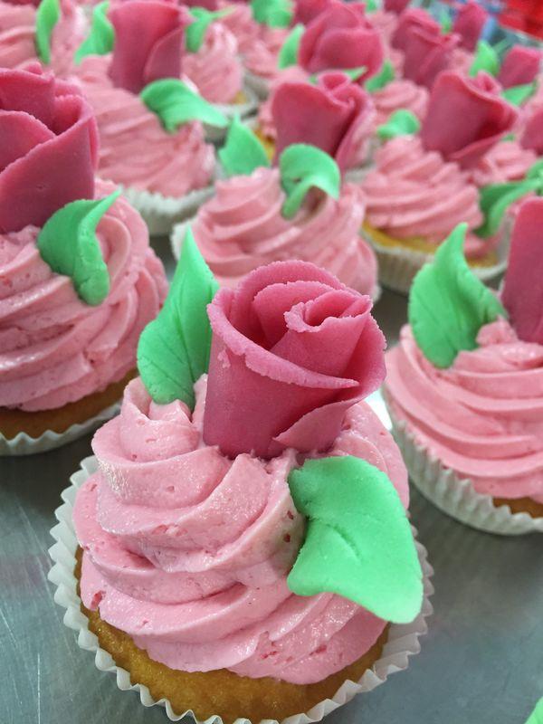 Unsere Patisserie fertigt Ihre Hochzeitstorte, Cup Cakes, Cake Pops nach Ihren Vorlieben