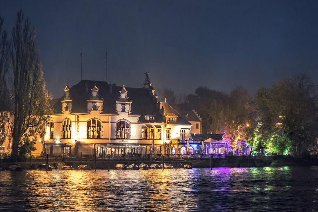 Beispiel: Außenansicht bei Nacht, Foto: Seerhein.