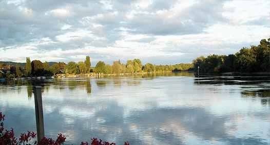 Beispiel: Idylle am Rhein, Foto: Alte Rheinmühle.