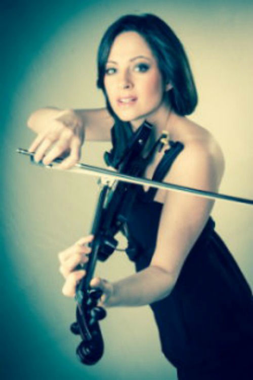 Beispiel: DJ Phil und Cat La Groove Vocals E-Violine, Foto: DJ Phil.