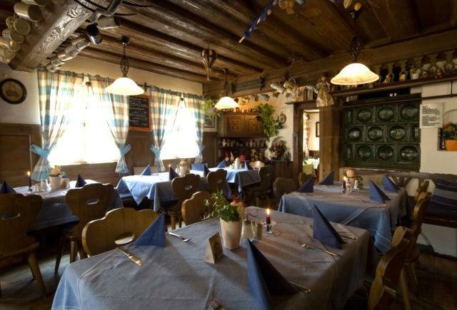 Beispiel: Gaststube, Foto: Historisches Restaurant Lutzgarten.
