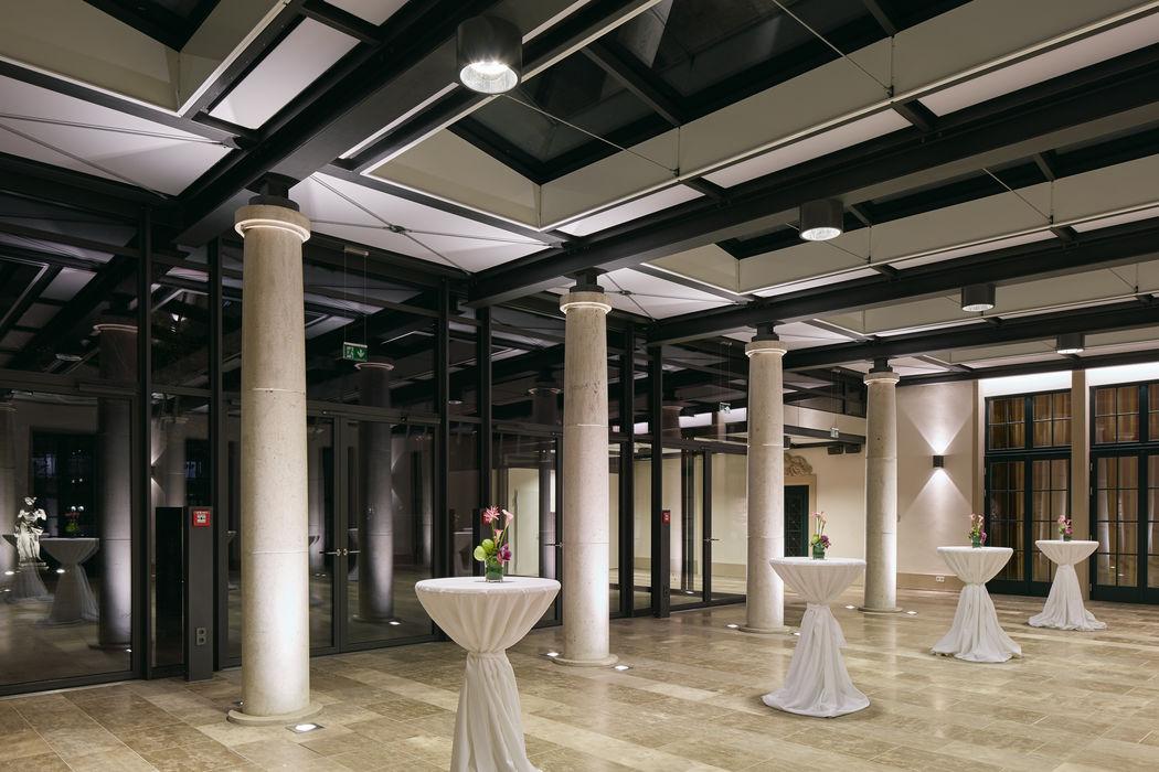 Wintergarten (Runder Saal) Für Empfang, Büffetaufbau oder als Chill-out Lounge