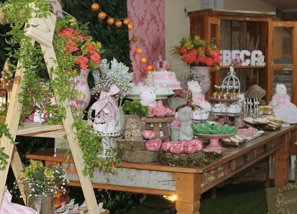 Vitoriana Festas