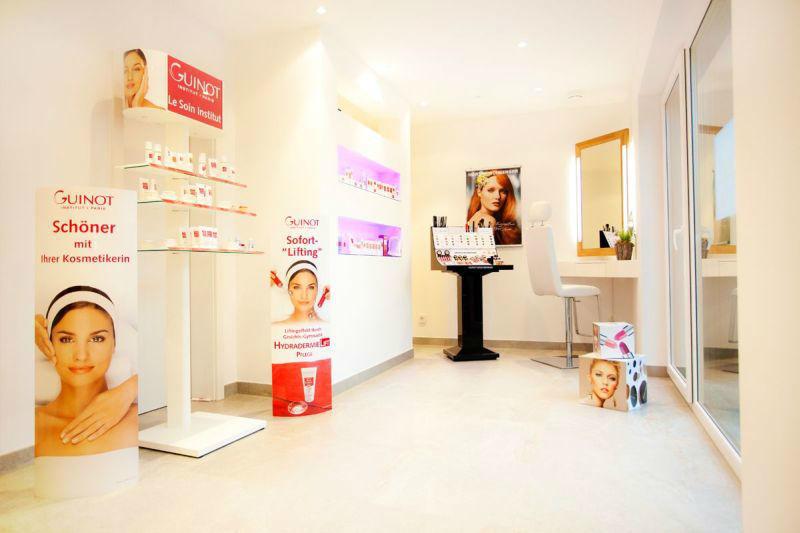 Beispiel: Umfassendes Angebot, Foto: Jasmin Haberl cosmetics.