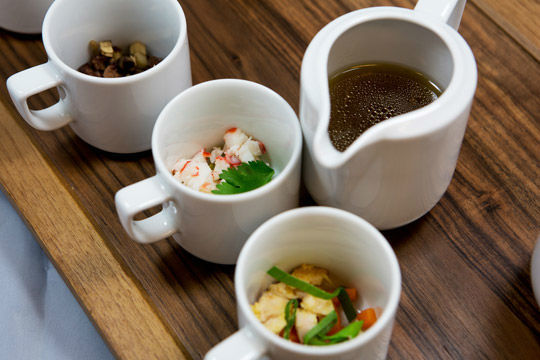 Beispiel: Deierlei Consomme, Foto: Kuffler Catering.