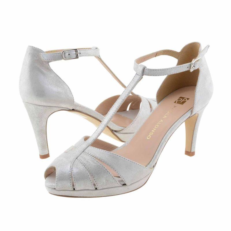Sandalias talón y tiras piel con brillo https://www.paulaalonso.es/zapatos-de-fiesta/8198-sandalias-talon-y-tiras-piel-con-brillo.html#