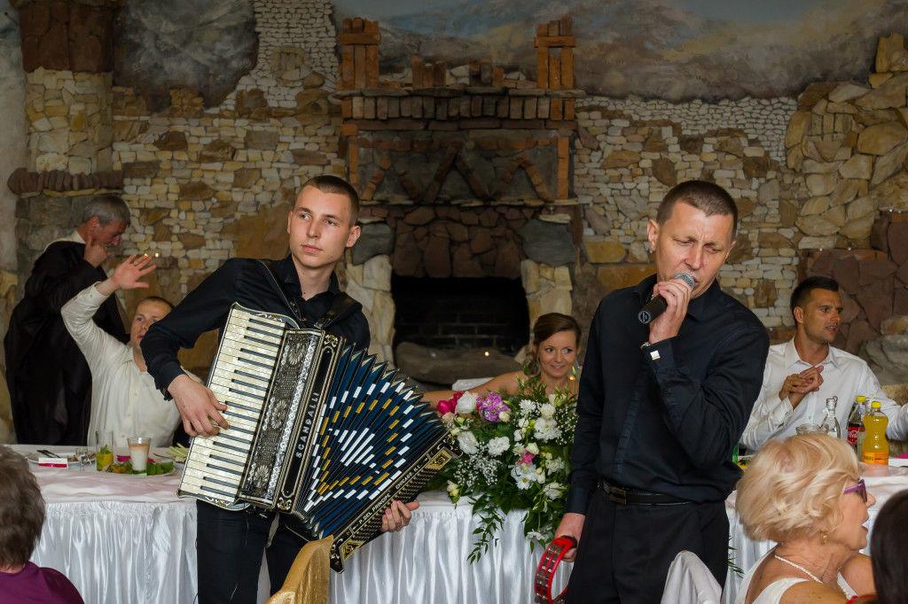 Śpiewający i grający Dj-Wodzirej Akordeon + Karaoke ZOBACZ!