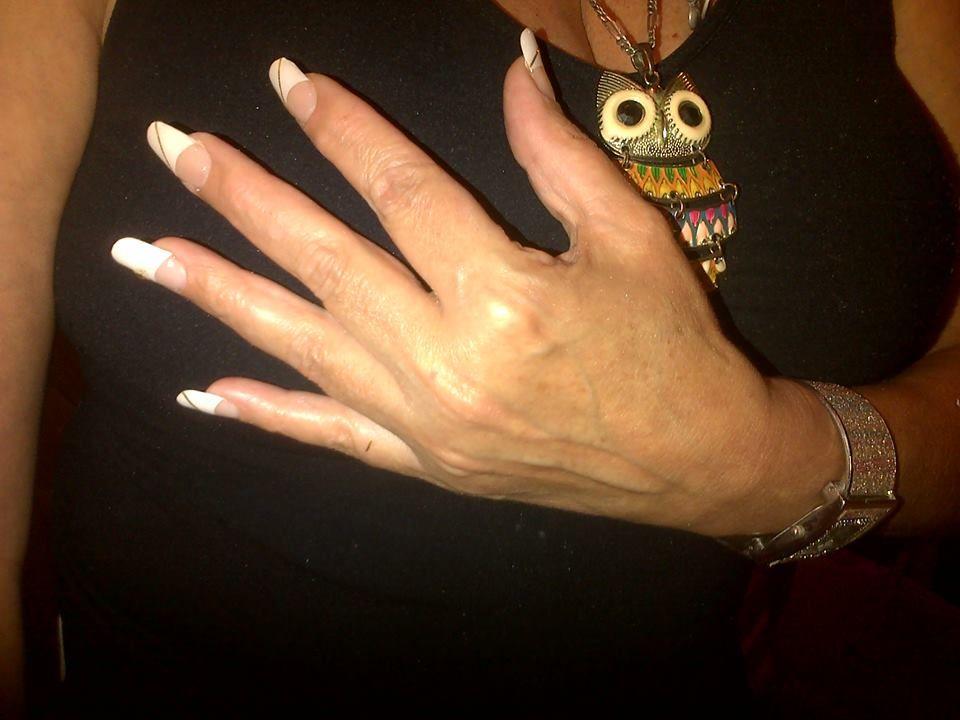 DeLan Manicure
