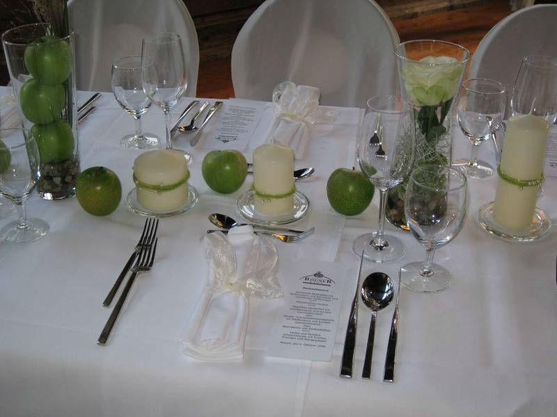 Beispiel: Individueller Tischschmuck, Foto: Restaurant Landgasthof Bogner.