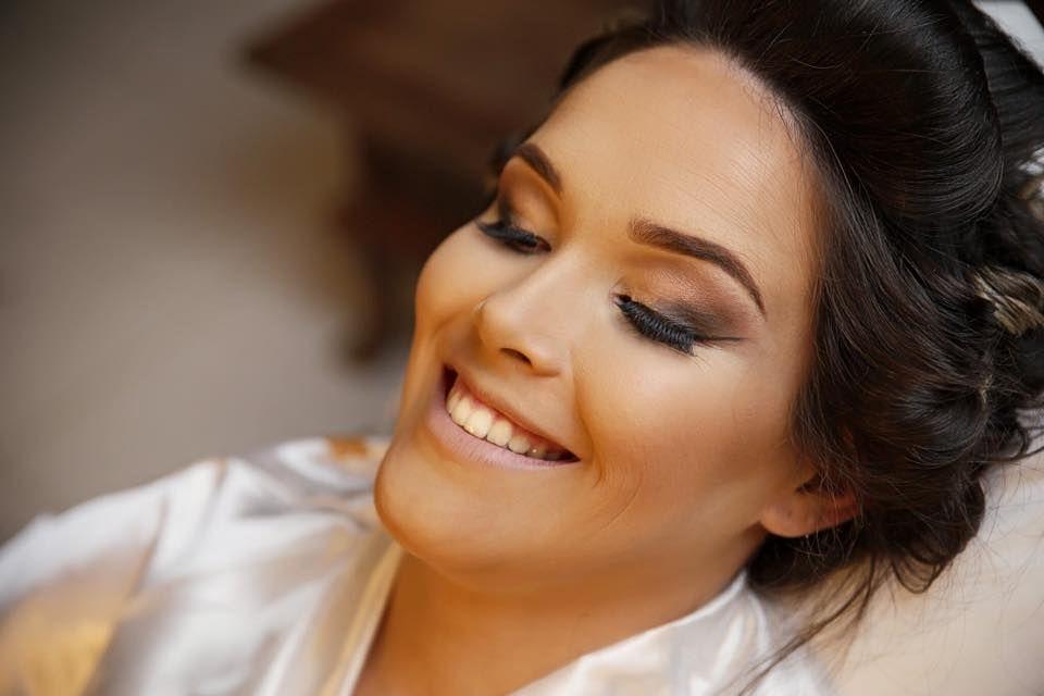 Makeup Mayana Leite