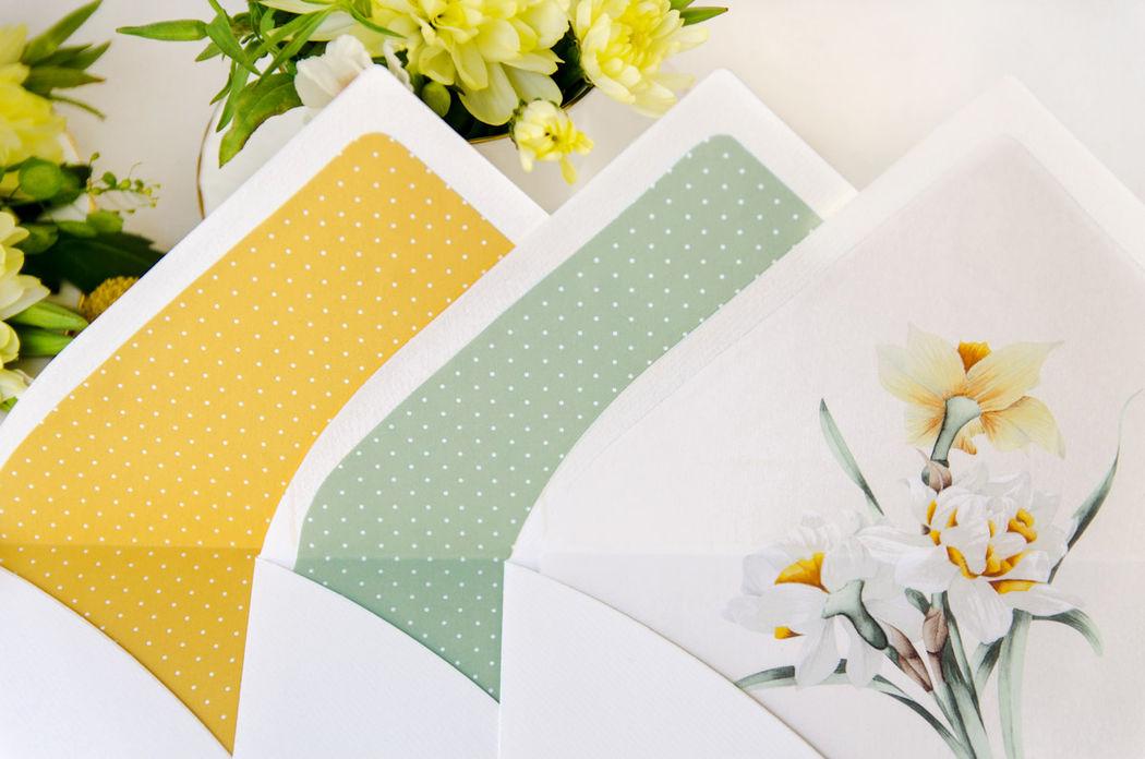 Sobres con forro para tus invitaciones de boda. En este caso para la colección de invitaciones de boda romántica de nuestra tienda online.