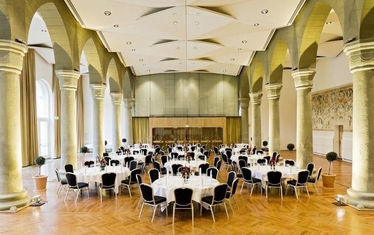 Beispiel: Festsaal, Foto: Steigenberger Inselhotel Konstanz.