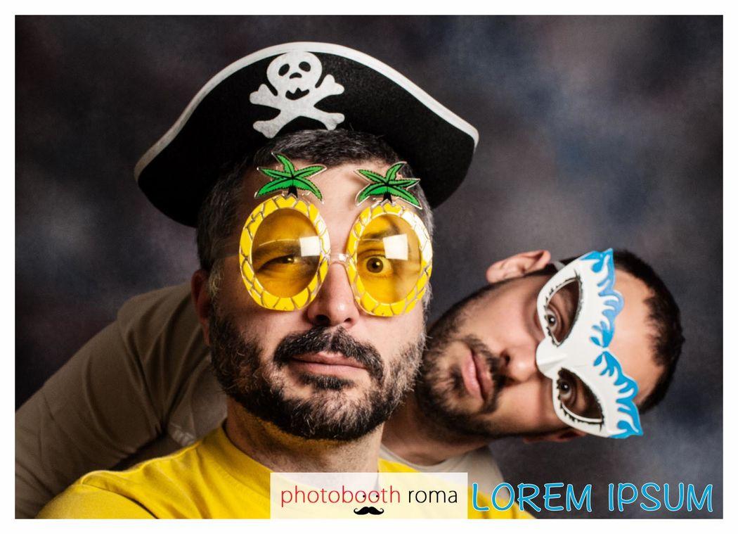 Photobooth di Alessandro Zingone - Fotografo di matrimonio: servizi fotografici e cabina photobooth. Esempio di foto con layout a foto singola.