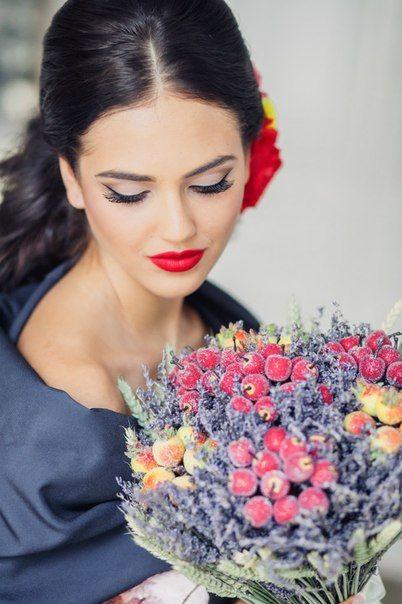 Стилист-визажист Надежда Карунова