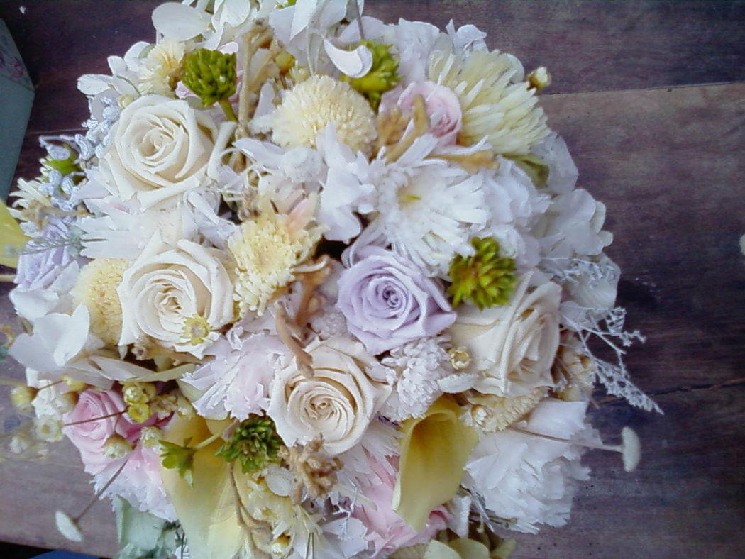 Flor de Cór - buquê campestre de flores naturais preservadas