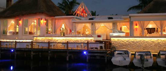 Restaurante en la laguna