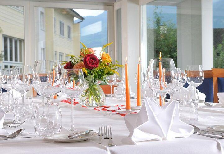 Beispiel: Tischdekoration, Foto: Parkhotel Waldheim am Sarnersee.
