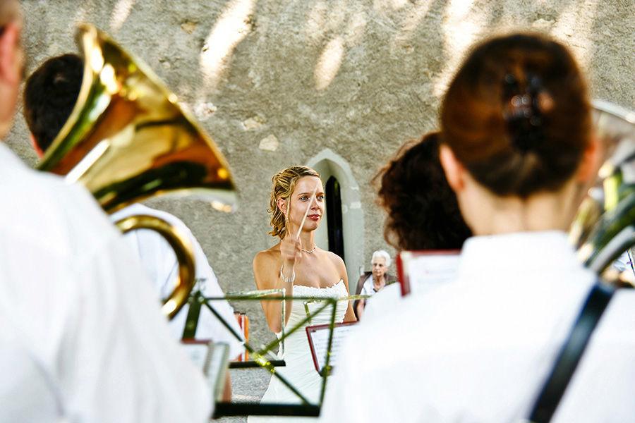 Beispiel: Moment Aufnahmen, Braut,  Hochzeitsfotos, Foto: Sandra Stamm Fotografie.