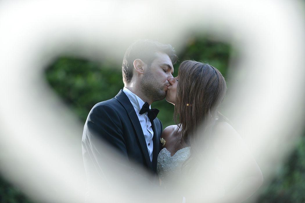 Un bacio romantico