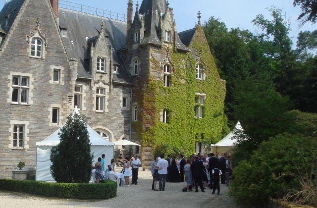 Un cocktail devant le Chateau