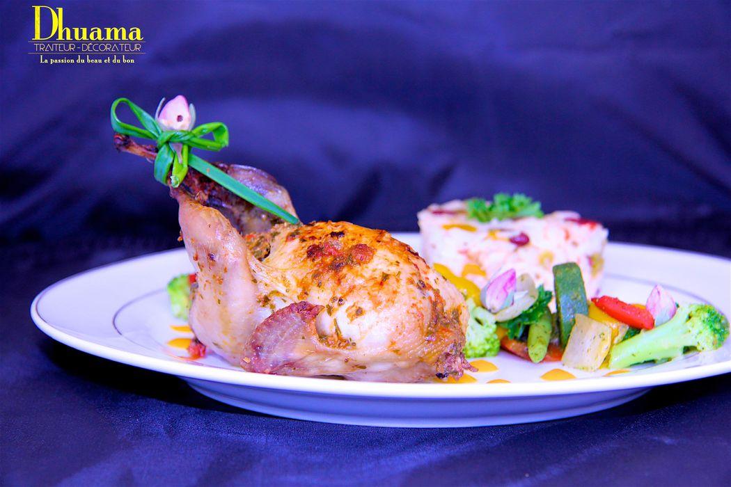 Caille farcie au foie gras, service à table par Dhuama traiteur africain