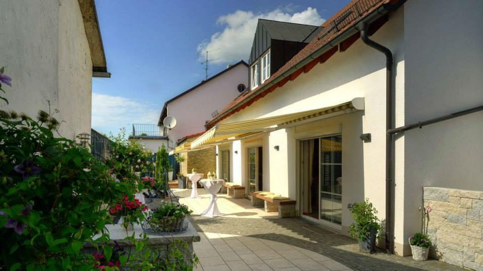 Beispiel: Terrasse, Foto: Gasthof Lachner.