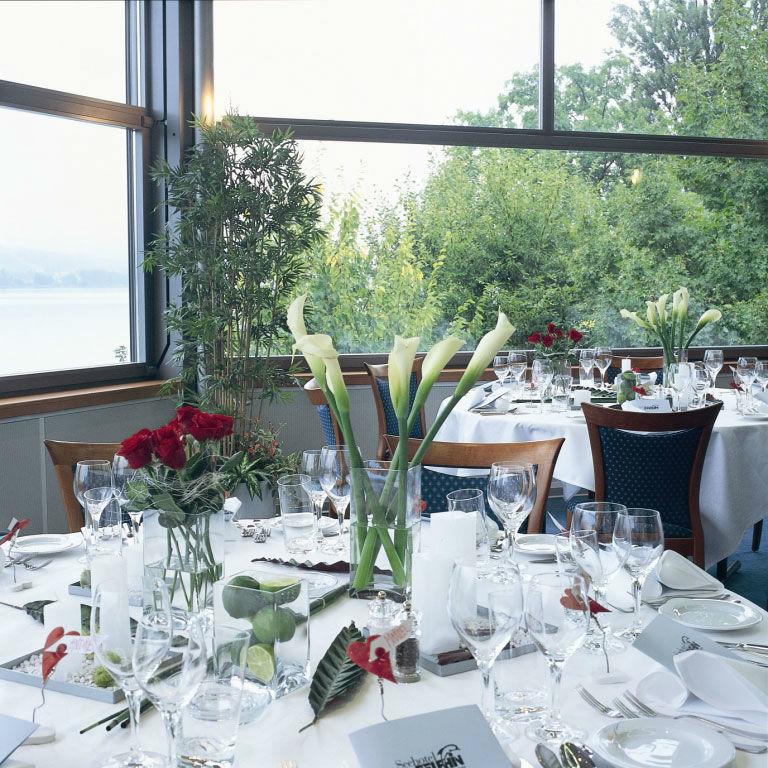 Beispiel: Panorama Saal, Foto: Seehotel Delphin.
