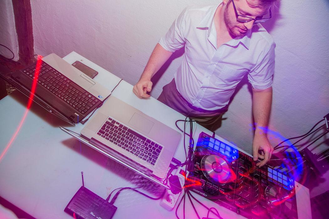 DJ Paul Savin