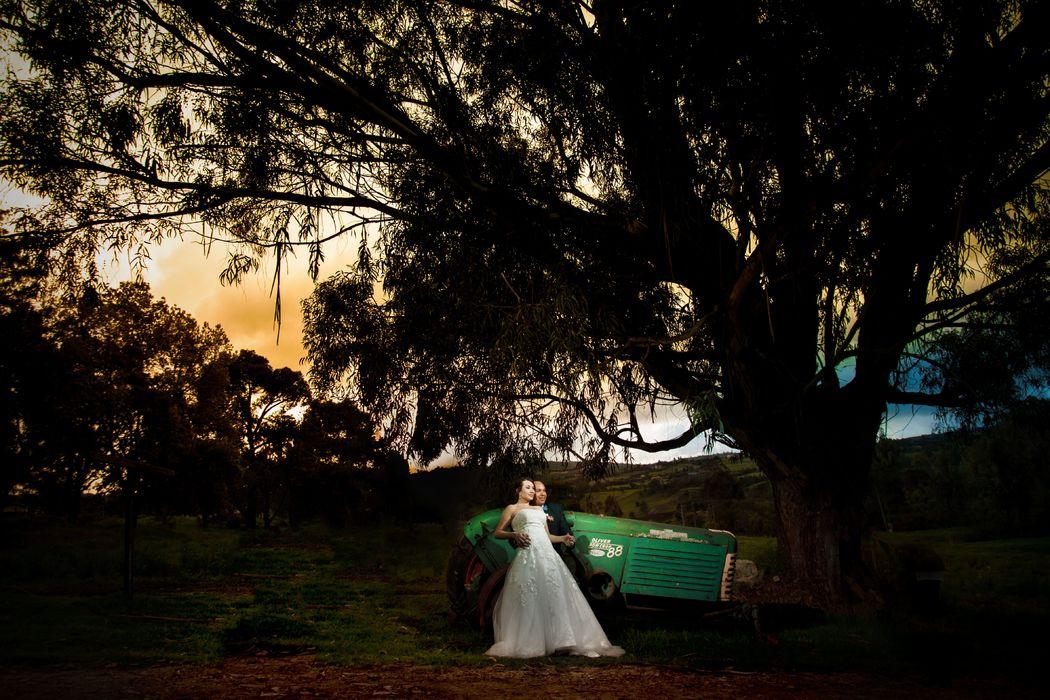 Hacienda San Carlos, Subachoque  Sesion photo shoot maquillaje,  #fotografoenbogota #fotografodestino #fotografodearte #fineartphotography Subachoque, wedding planner