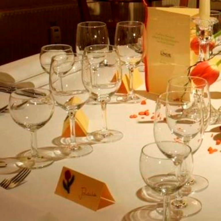 Beispiel: Tischgedeck, Foto: Linde Restaurant.