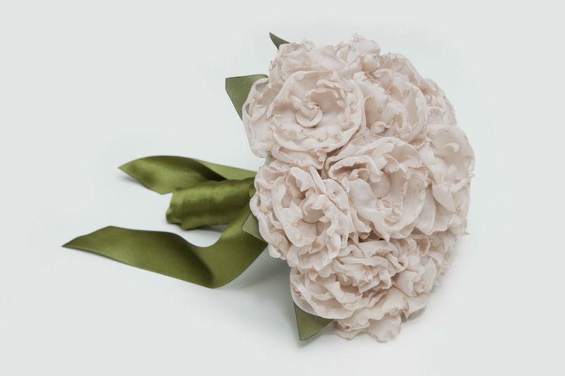 Ramo de novia en tela de peonías rosa