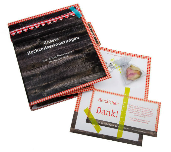 Beispiel: Verschiedene Gästebücher für Ihre Hochzeit, Foto: familiensache.
