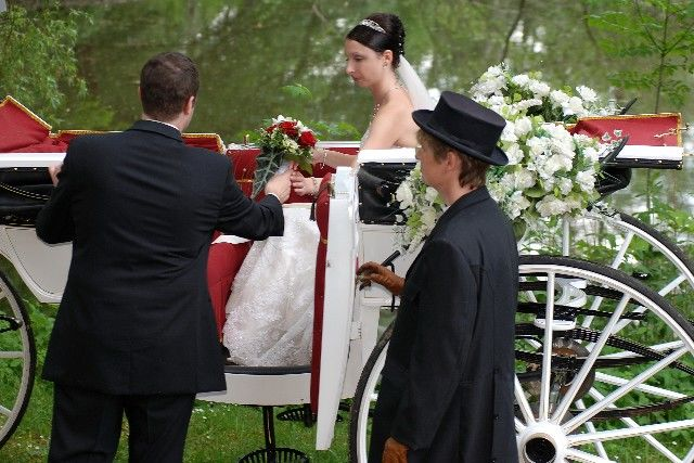 Beispiel: Hochzeitsfahrt, Foto: Wilhelm Schuh Hochzeits- und Kutschfahrten.
