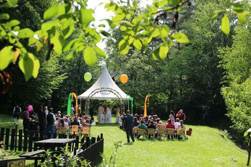 Beispiel: Festzelt im Garten, Foto: Villa Kunterbunt.