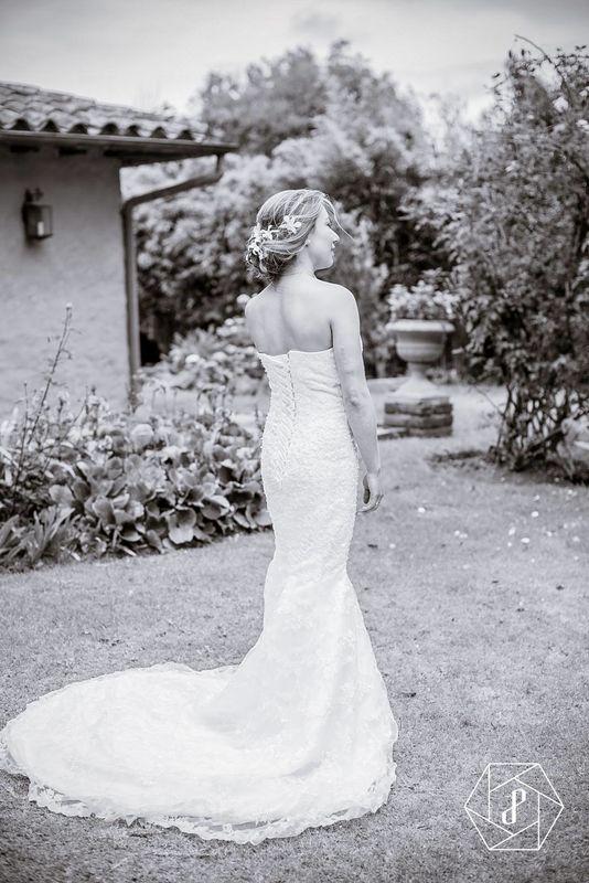 Carolina y Niko Casa Moreli  Chía  Arreglo de la novia