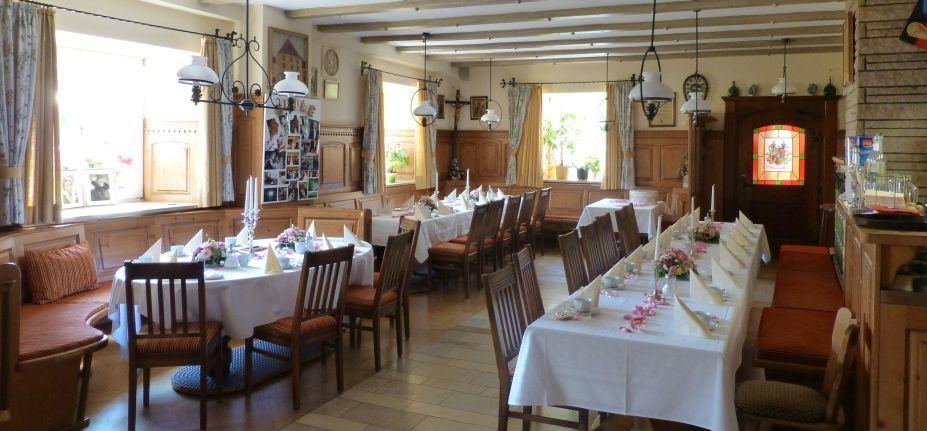 Beispiel: Tischdekoration, Foto: Hotel Schlosswirt.