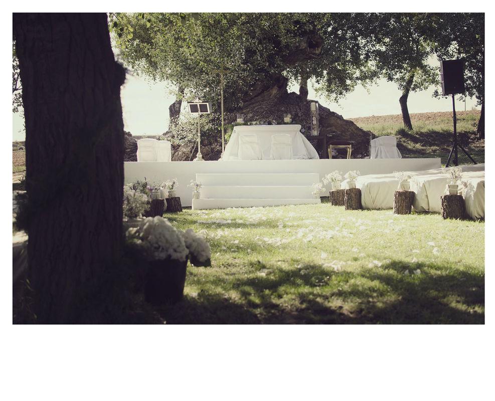 Altar en un paraje natural. Diseño y distribución pensando en el entorno campestre.