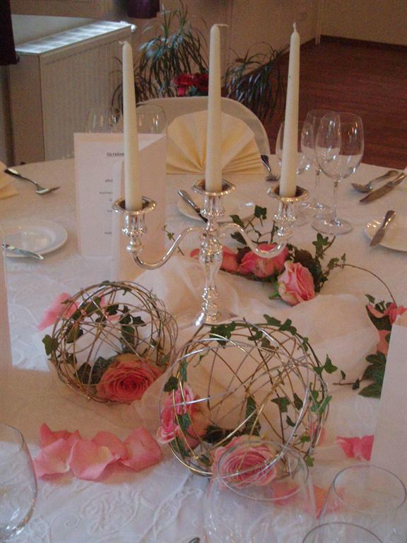 Beispiel: Tischdekoration, Foto: Vierseithof.