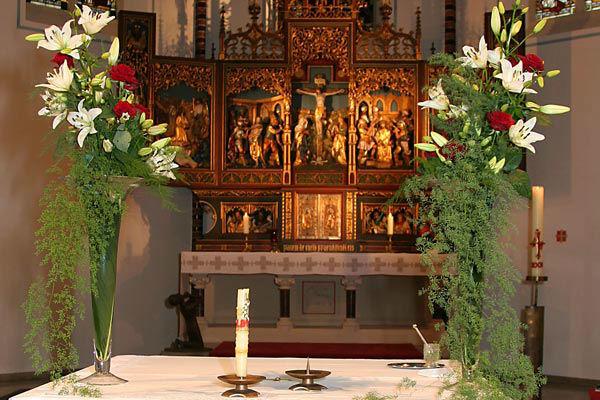 Beispiel: Kirchenschmuck, Foto: a.p.a.r.t.