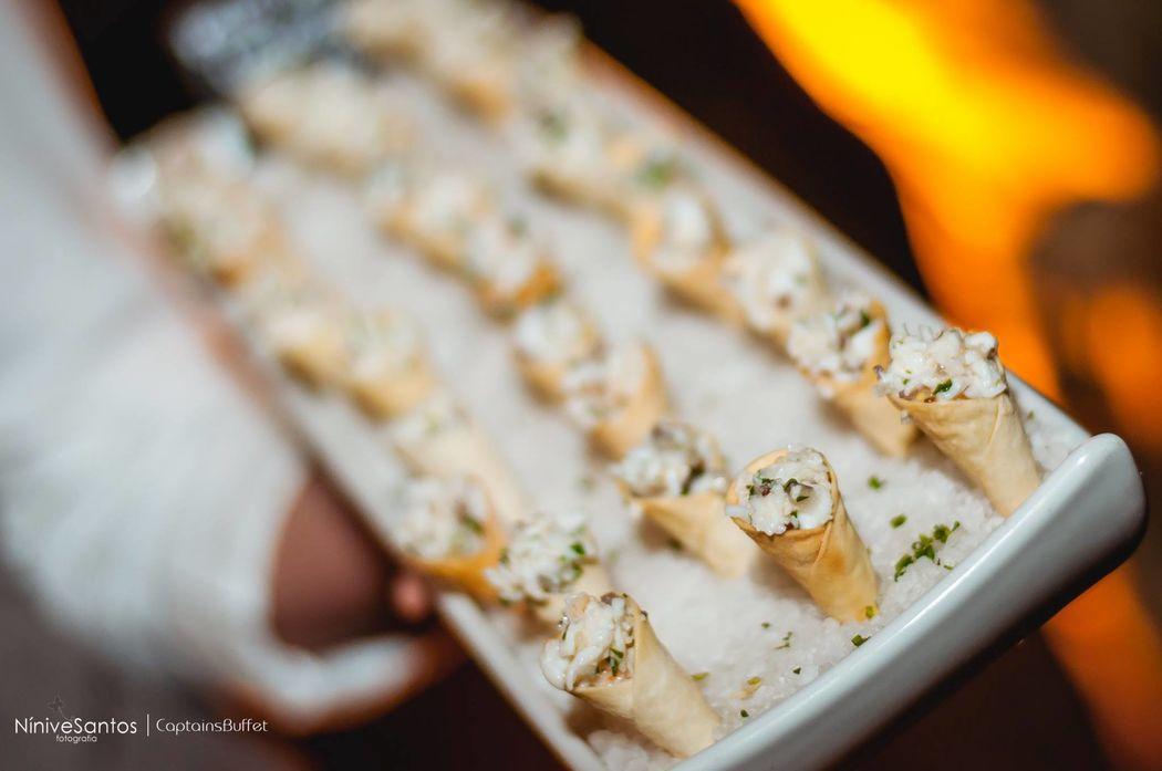 Mini cone de lagosta tartar - Coquetel Volante